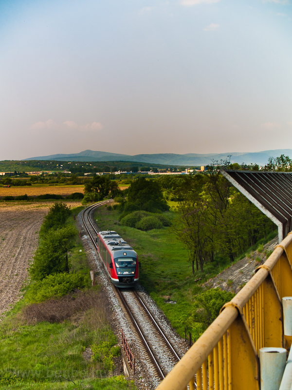 A 6342 011-1 pályaszámú Desiro motorvonat Losonc (Lučenec) és Ipolygalsa (Holiša) között, Szlovákiában fotó