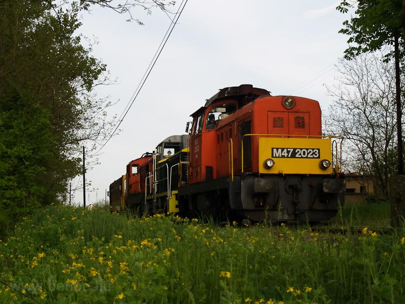 M47 2023, M32,2040, M44 509 és a Bzmot 340 Őrhalom régi állomásán fotó