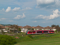 On the way home: the 6342 014-5 seen between Szécsény and Hugyag