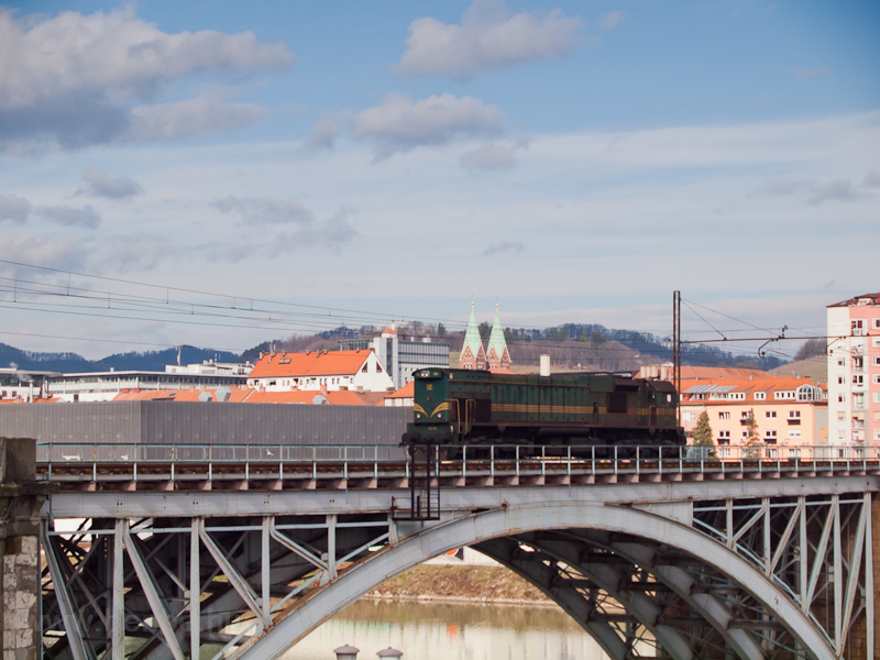 A 664-109 Mariborban a Dráv fotó