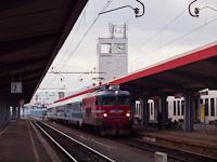 Az ŠZ 342 001 a Zágráb-Bécs EuroCityvel Mariborban
