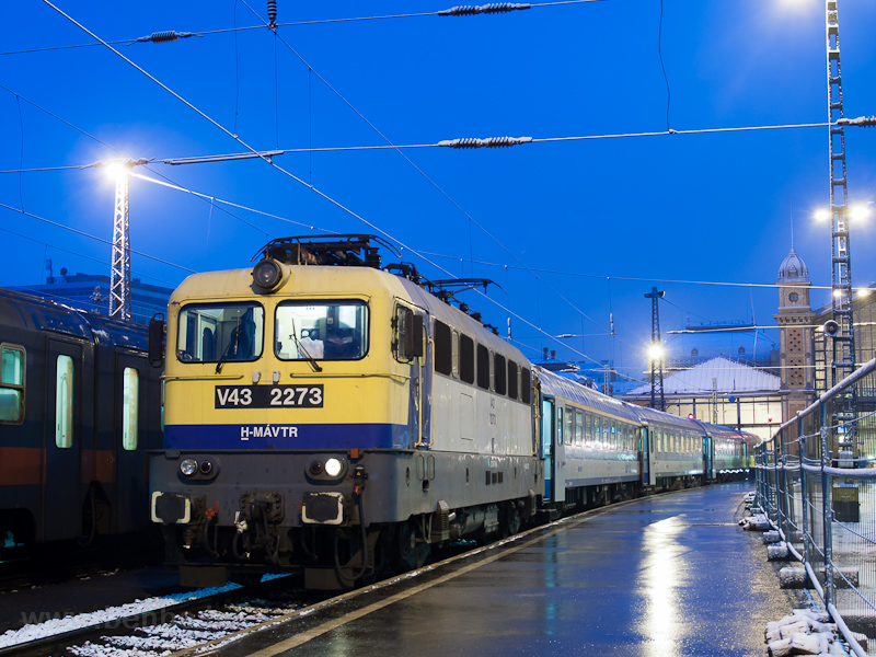 A V43 2273 Budapest-Nyugatiban fotó