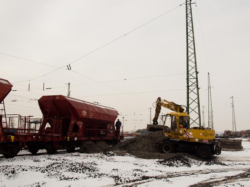Bagikő rakodása Debrecenben fotó