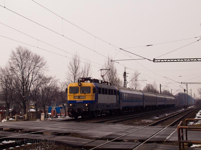 A V43 2262 Ebes és Debrecen fotó