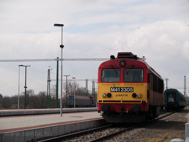 The MÁV-TR M41 2305 seen at photo