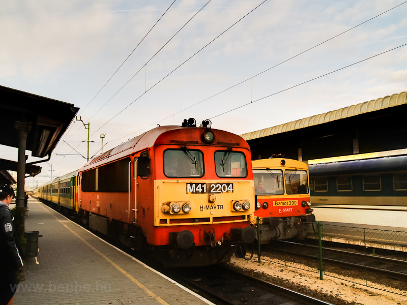 The M41 2204 and the Bzmot  photo