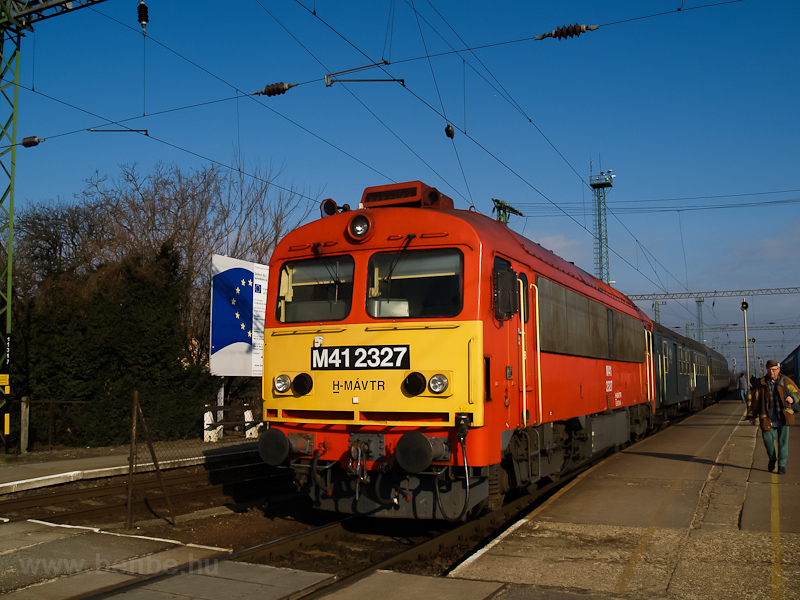 The MÁV-TR M41 2327 seen at photo