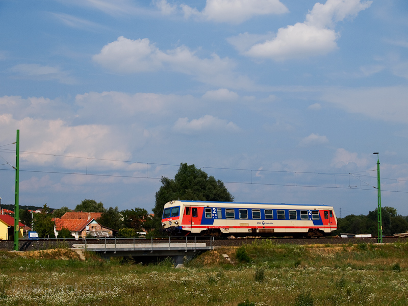 The GYSEV 247 504 seen at Z picture