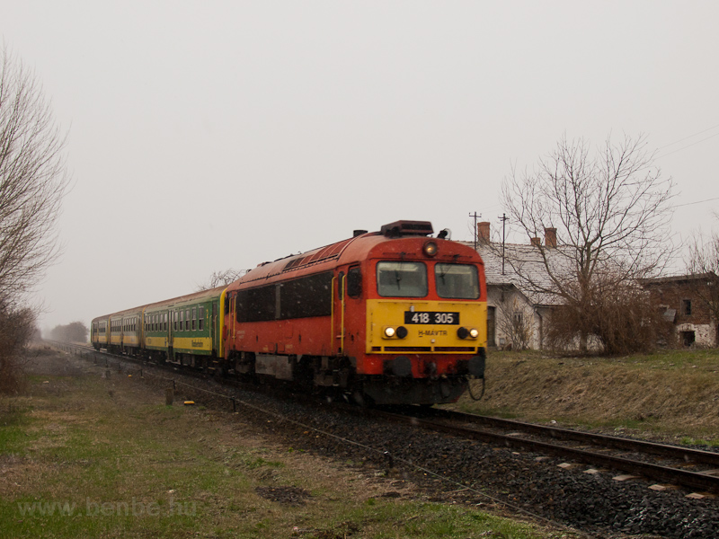 The MÁV-TR 418 305 seen bet photo