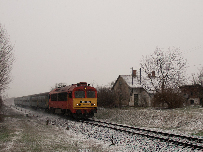 The MÁV-TR 418 315 seen bet photo