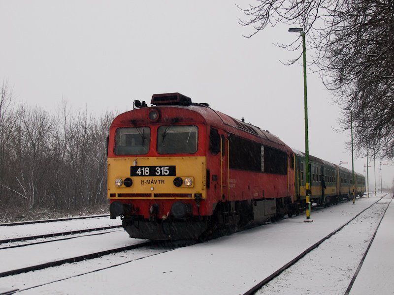The MÁV-TR 418 315 seen at Mezőlak photo