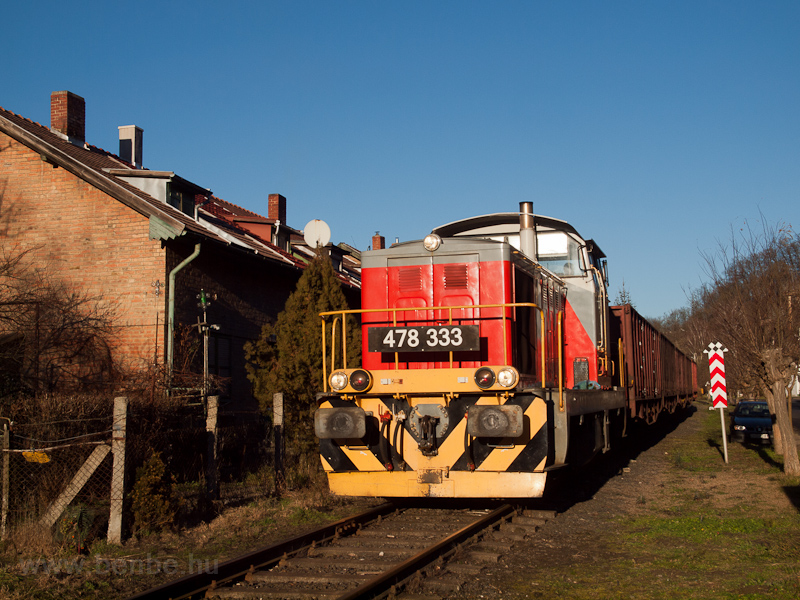 The MÁV-START 478 333 seen between Felsőcsinger and Ajka photo