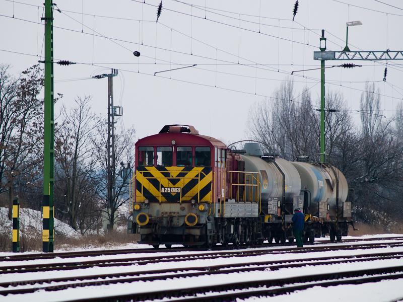 A Balatoni Iparvasút A25 083 Hajmáskér állomáson fotó