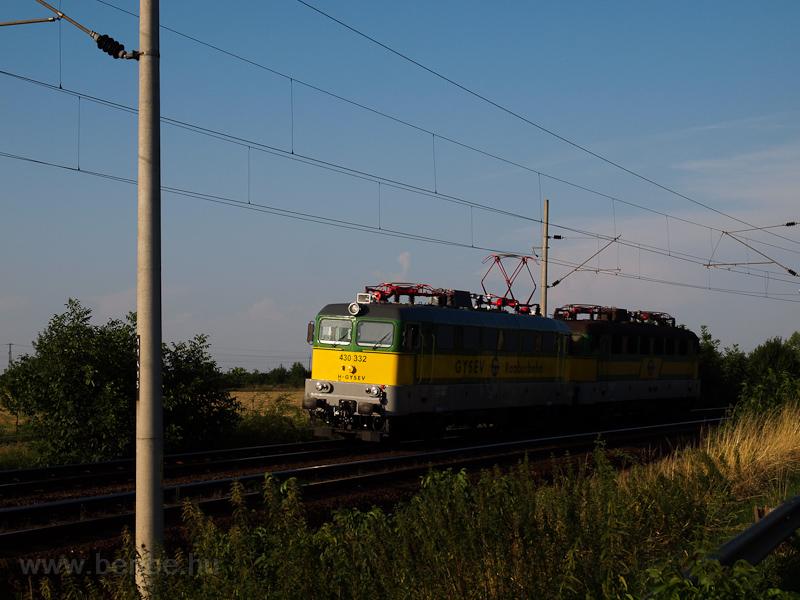A GYSEV 430 332 Vép és Szom fotó