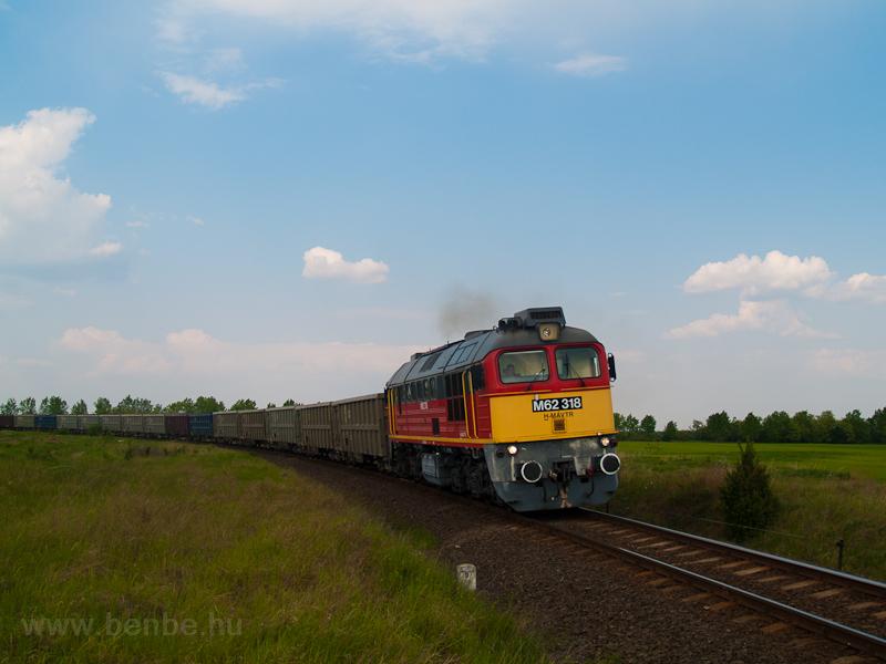 A MÁV-TR M62 318 Börgönd és fotó