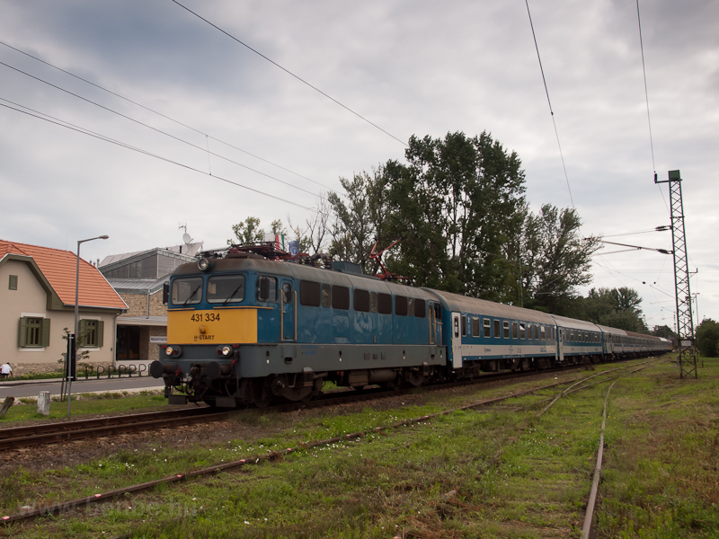 The MÁV-START 431 334 seen  photo