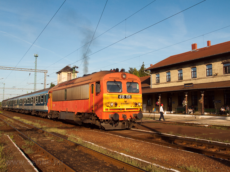 The MÁV-START 418 108 seen  photo