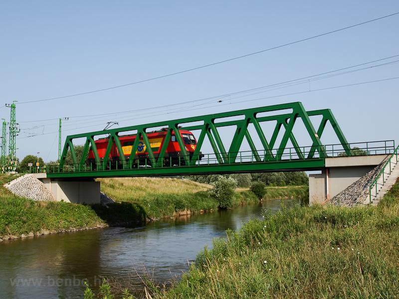 A GYSEV 1116 060-3 Szentgotthárd és Haris között a Rába hídján fotó