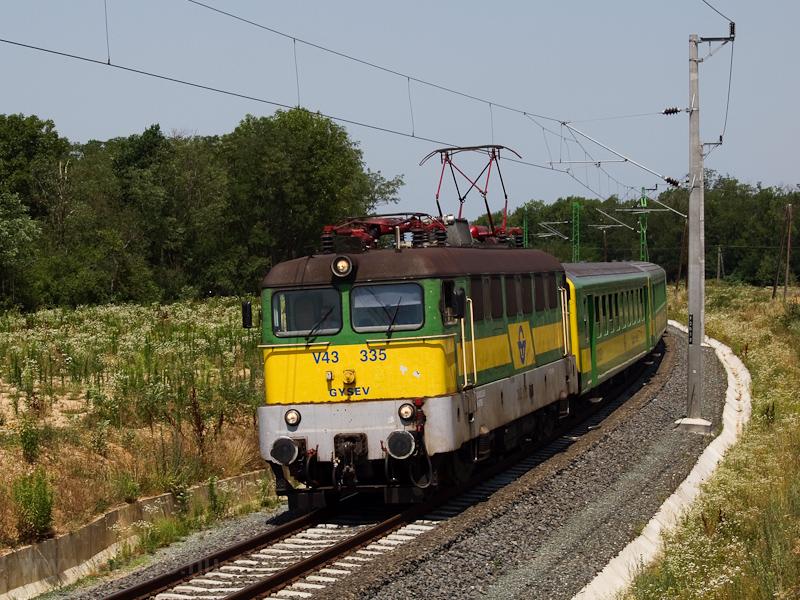 A GYSEV V43 335 Ják-Balogun fotó