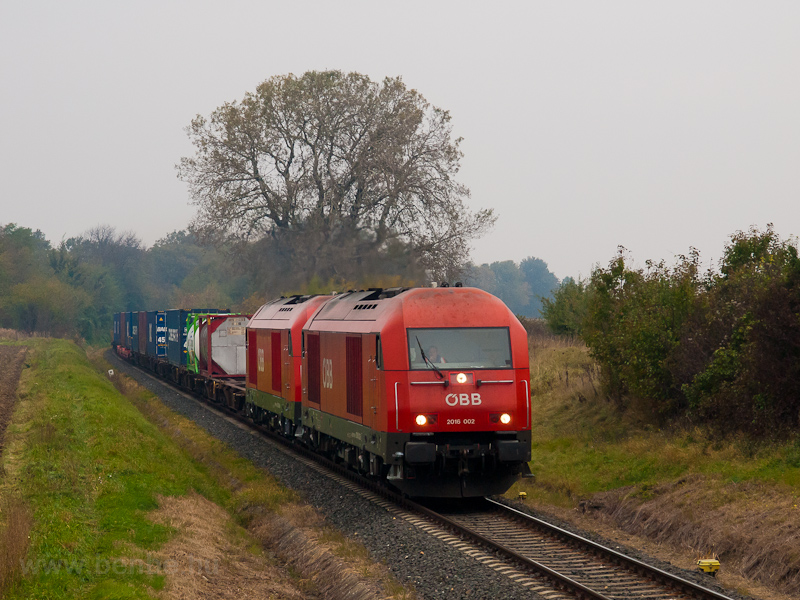 The ÖBB 2016 002 seen between Ágfalva and Lépesfalva-Somfalva photo