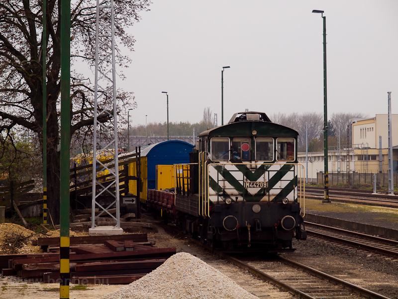 A MÁV M44 209 Répcelak állo fotó