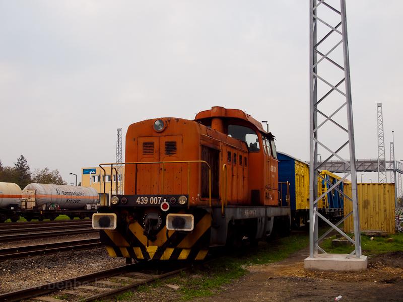 A 439 007 Répcelak állomáson fotó