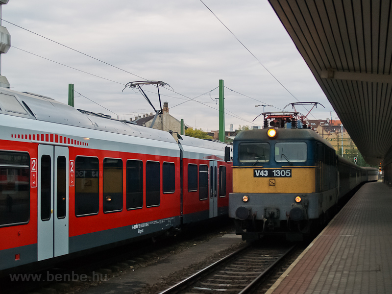 The MÁV V43 1305 seen at Bu photo