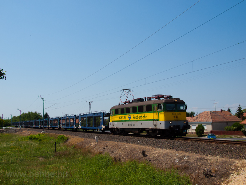 The GYSEV 430 325 seen betw photo