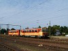 A MÁV Bzmot 339 Dunaújváros állomáson