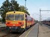 A MÁV Bzmot 321 Dunaújváros állomáson