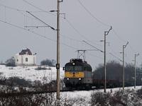 A MÁV V43 1104 Veszprém és Márkó között