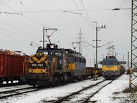 A MÁV-TR V46 035 és a V43 1075 Veszprém állomáson