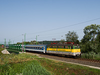The GYSEV V43 325 seen between Szentgotthárd and Haris