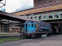 Az ércet kiszállító transzferkocsi a Dunaferr ércterénél