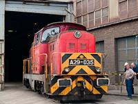Az ISD Dunaferr A29 035 a lemezmegmunkálónál tolat