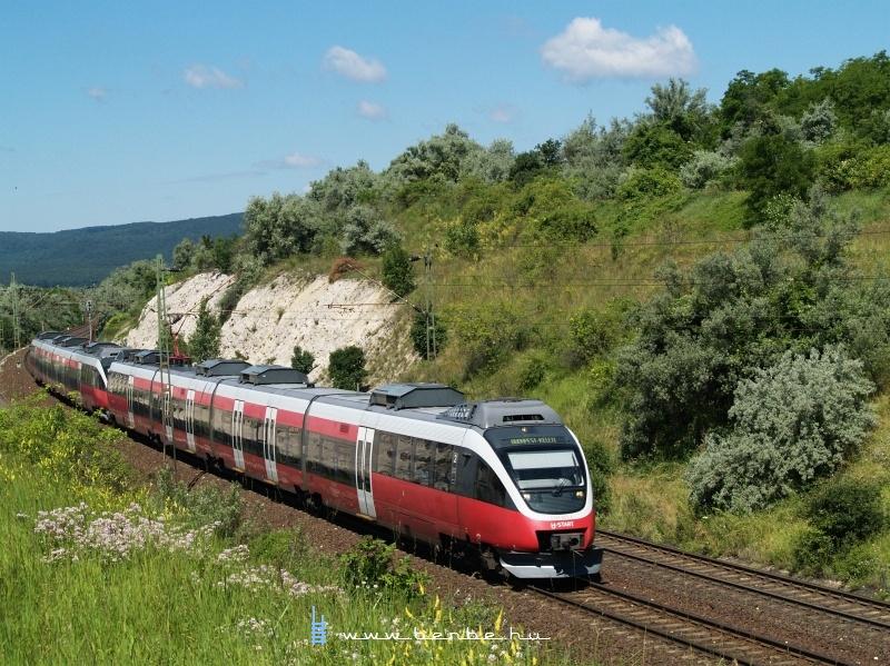 A konkurrencia: a Bombardier Talent MÁV-START változatban (5342 003-0) fotó