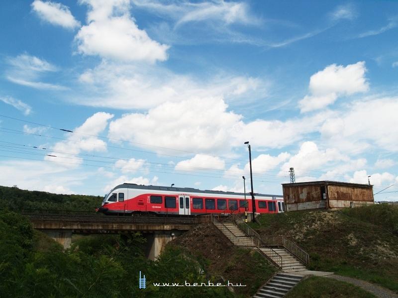A MÁV-START 5341 041-2 Szár megállóhelyen fotó