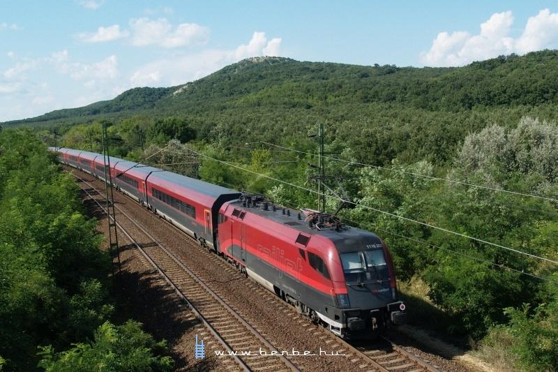 A 1116 207 ÖBB  railjet -Taurus Szárliget és Szár között fotó