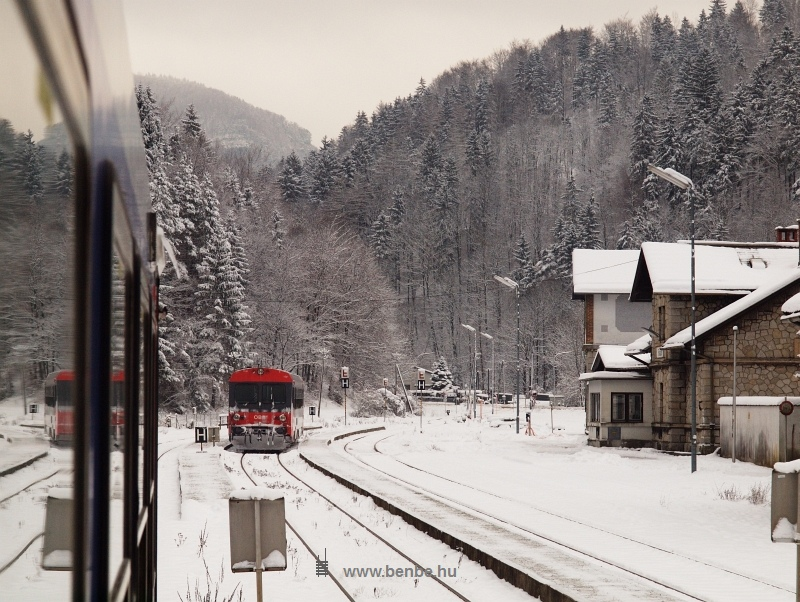 Az erősen behavazott 5047 009-5 Freiland állomáson fotó