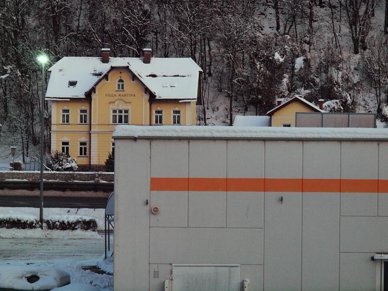 Igényes és igénytelen épületek fotó