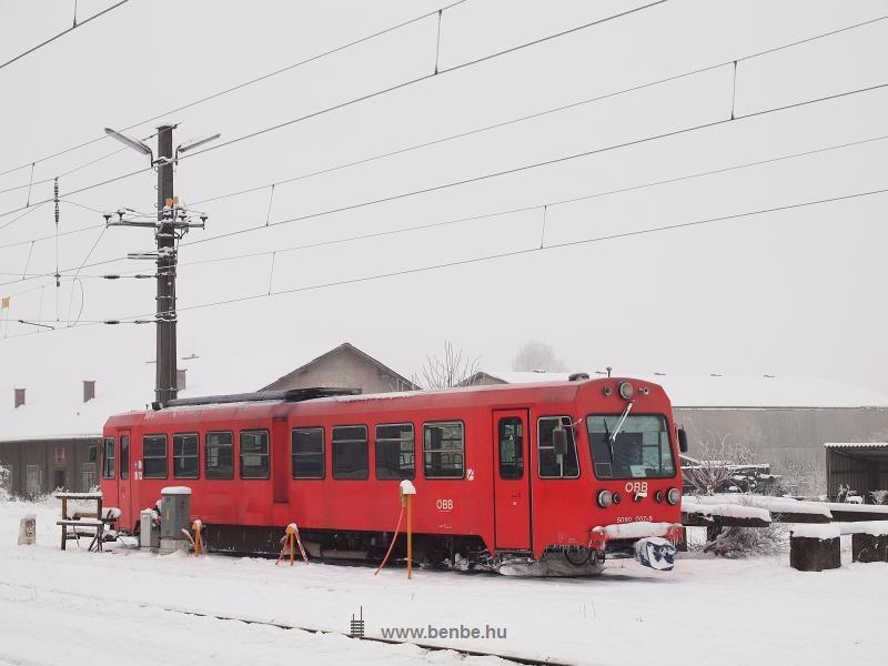 Az ÖBB 5090 007-5 pályaszámú motorkocsi segédüzemi csatlakozón Ober Grafendorfban fotó