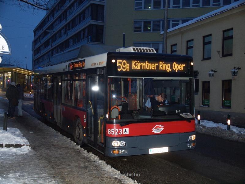Wiener Linien 59A jelzésű autóbusz Meidling / Philadelphiabrücke előtt fotó