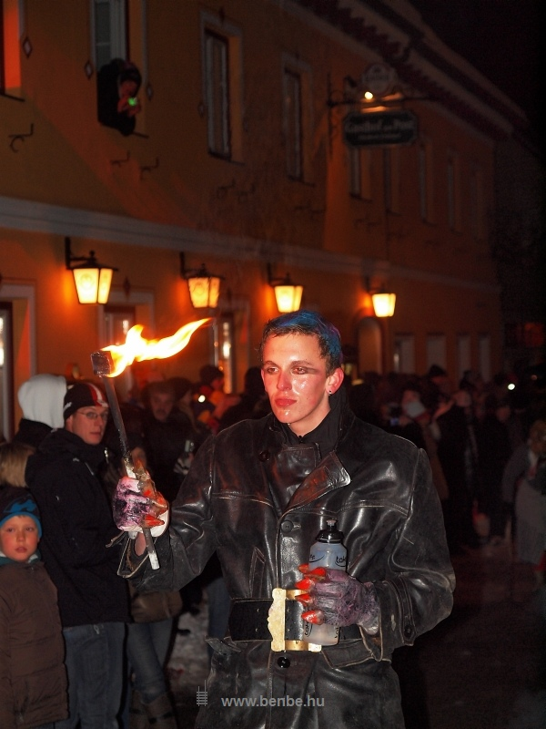 Tűznyelő Hohenbergben fotó