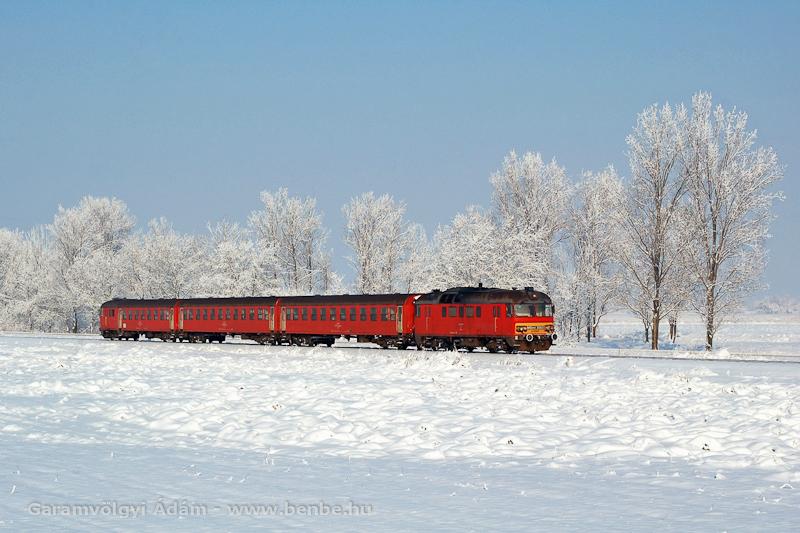Az MDmot 3003-Btx 016 motorvonat Tiszaszentimre és Pusztakettős között a trains.hu búcsúvonatozáson fotó