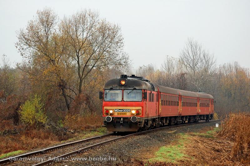 Az MDmot 3025 Ópályi és Mátészalka között a Záhony-Tiborszállás viszonylaton fotó