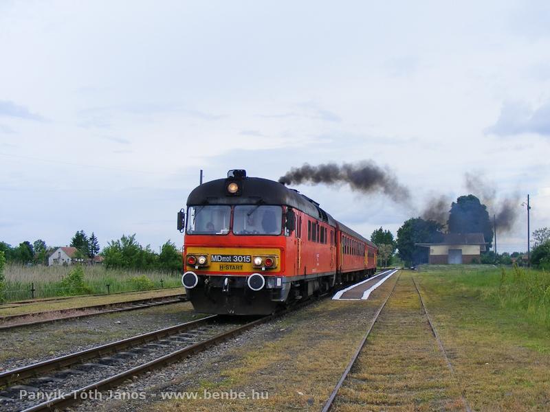 Az MDmot 3015 indul Nagykerekiből fotó