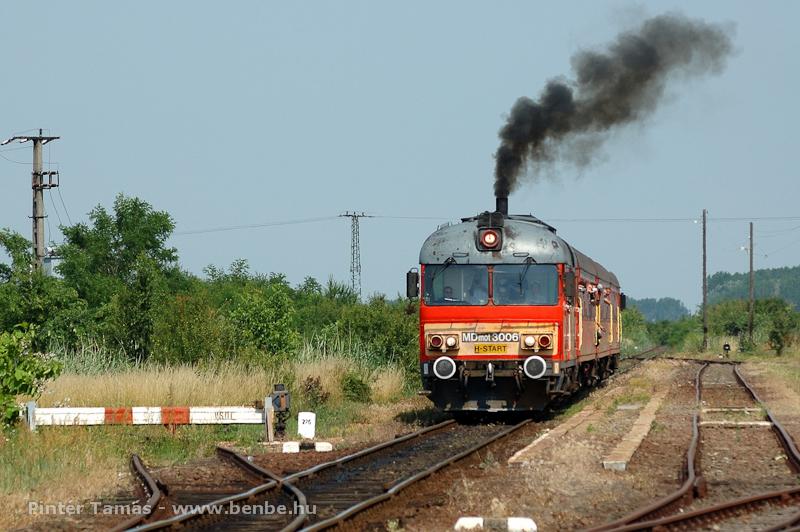 Az MDmot 3006 Pocsaj-Esztár állomáson fotó