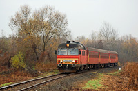 The MDmot 3025 between �p�lyi and M�t�szalka on the Z�hony-Tiborsz�ll�s railway