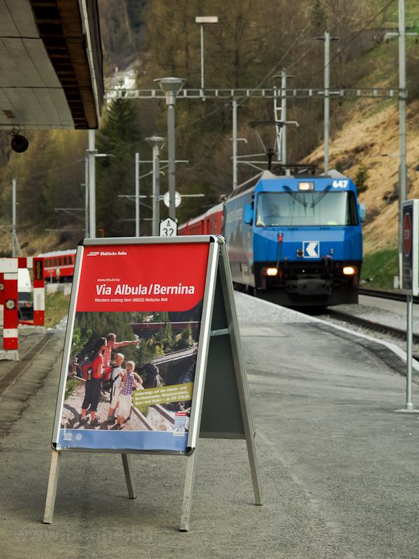 Az RhB Ge 4/4 III  647 Bergün/Bravuogn állomáson fotó