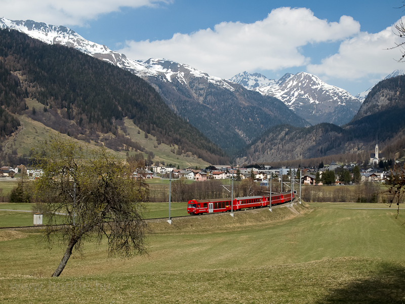 The RhB NEVA driving car number 1753 between Zernez and Carolina in Unterengadin photo